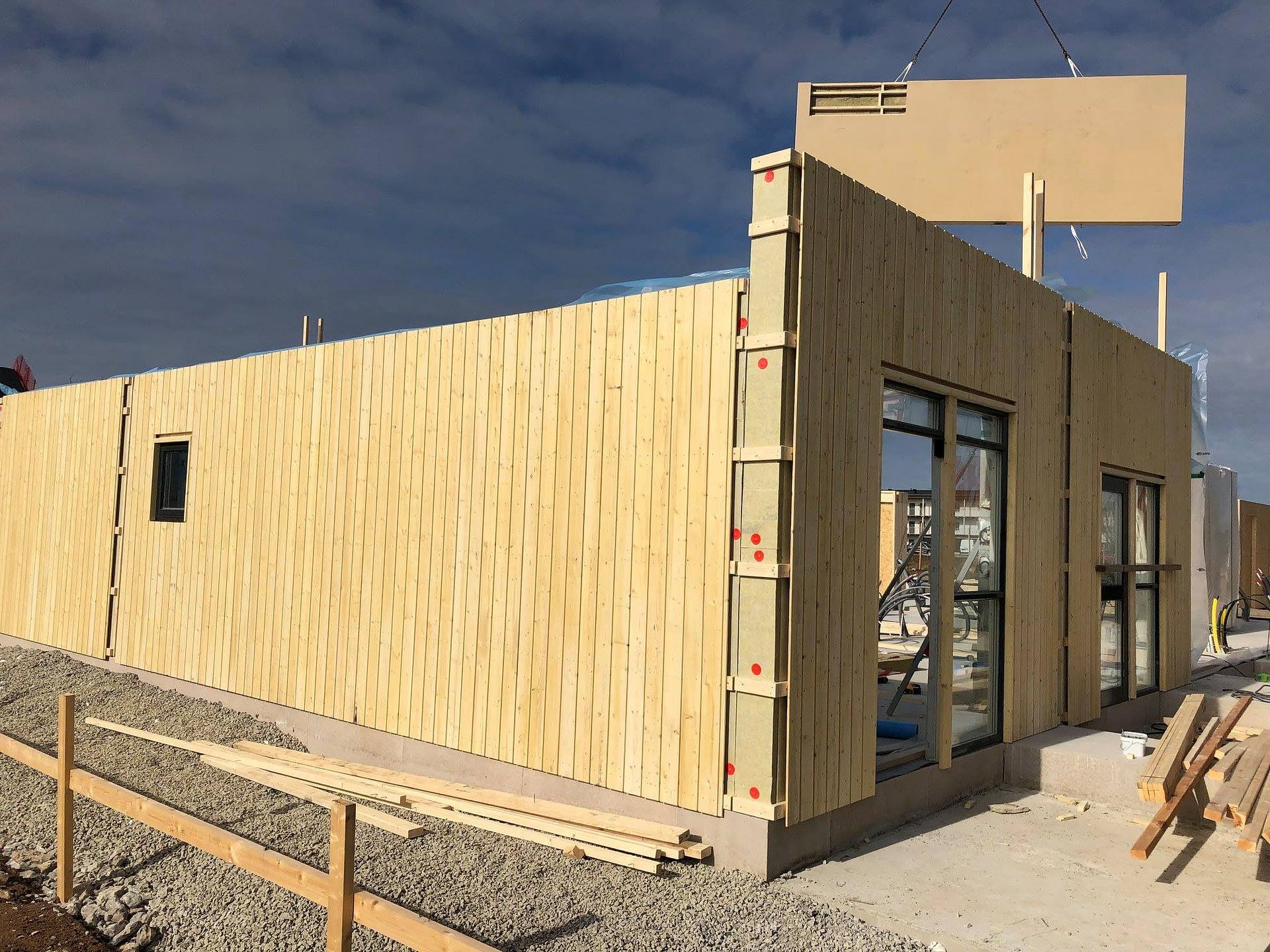 Nu monterar vi väggar och tak på Signallottan etapp 1, se alla bilder hur områ... 5