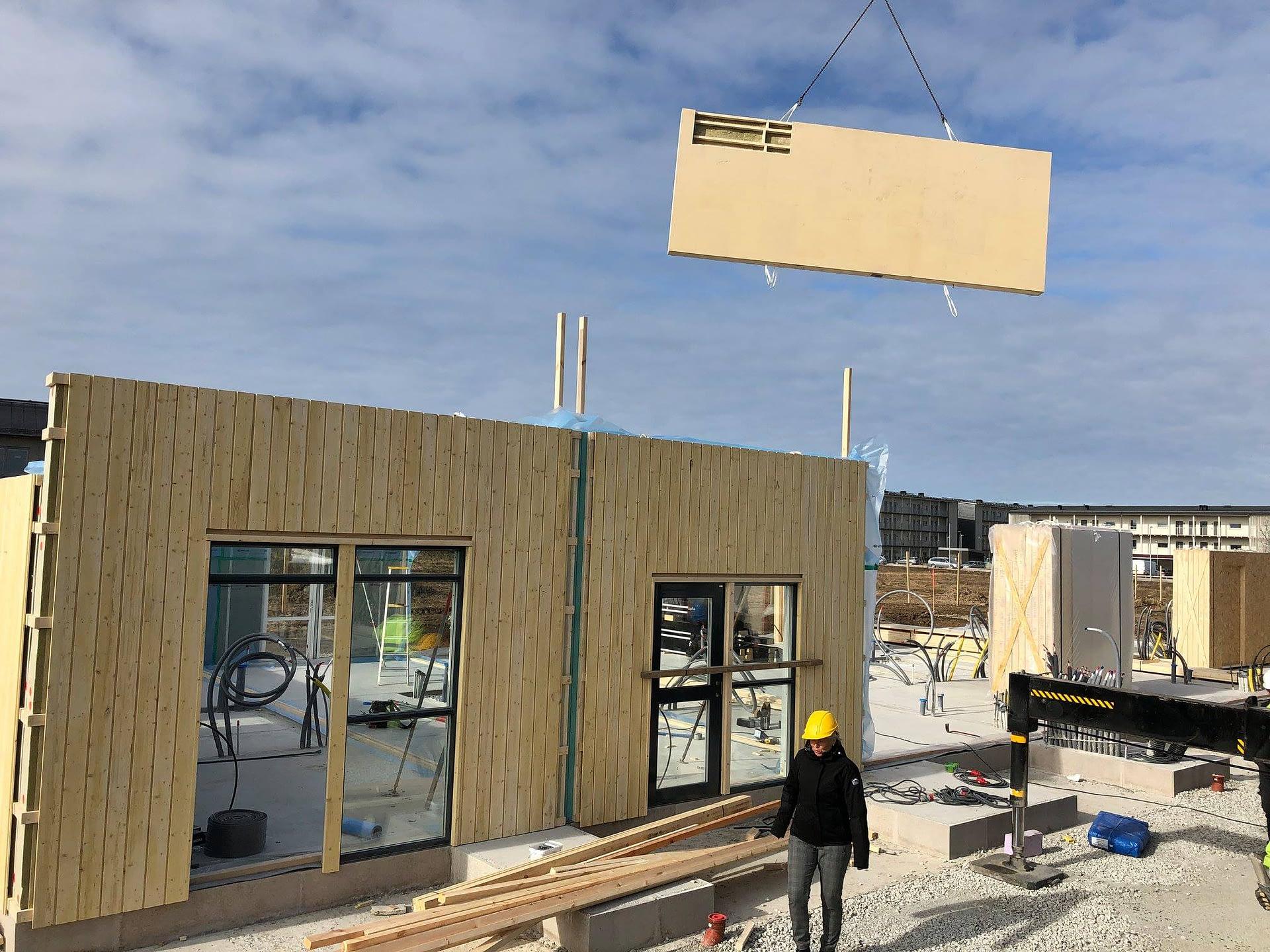 Nu monterar vi väggar och tak på Signallottan etapp 1, se alla bilder hur områ... 4