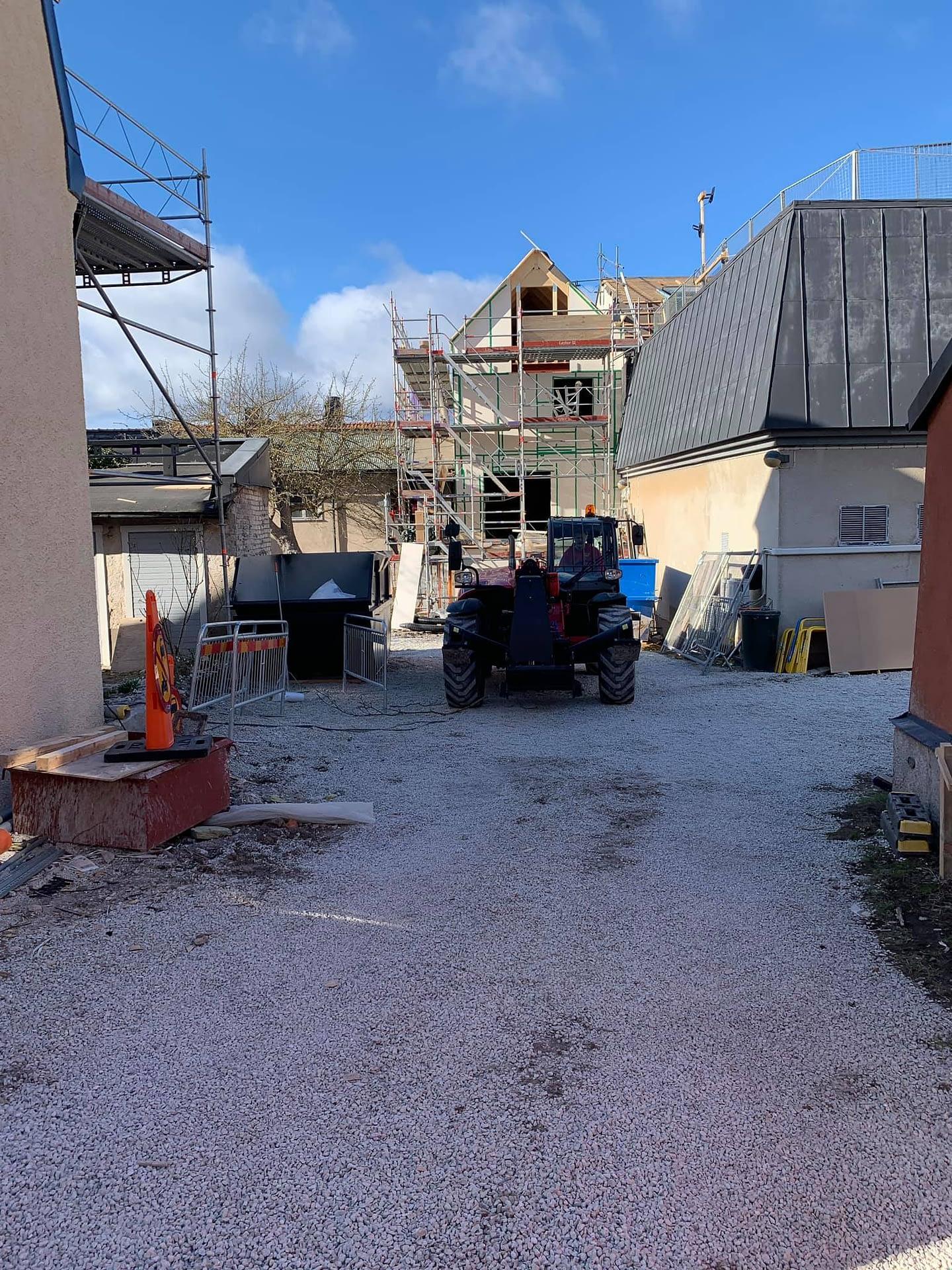Nu byggs ett townhouse på Adelsgatan. Med café och bostad. Klart till sommaren... 2