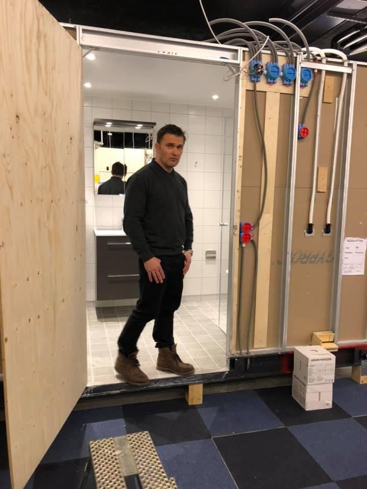 Idag är vi i Kalix hos Part Construction AB och tittar på badrummen som ska... 2