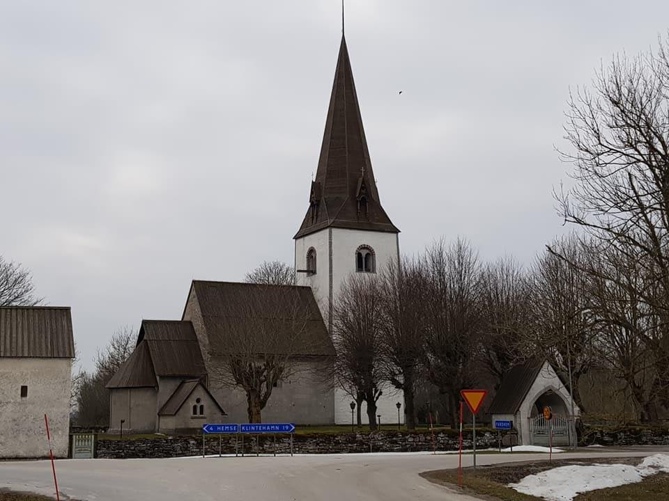 Nu är vi igång med restaurering av Fardhem kyrka. Riktigt roligt att Gotlandsb... 2