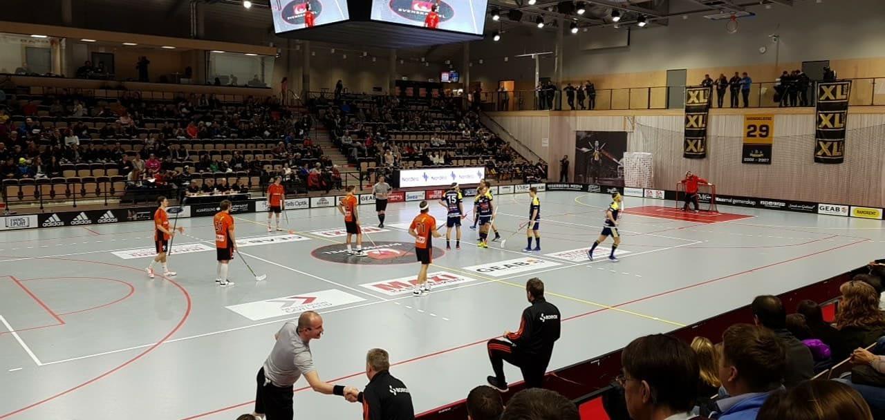 Idag är vi i Ica Maxi Arena och hejar fram Visby IBK och Oskar Spetsare som m... 2