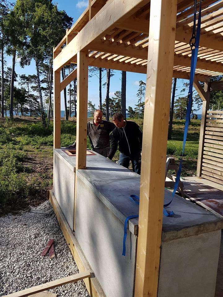 Idag är det besiktning av villan i Ljugarn. Vi håller på med att lägga betong ... 3