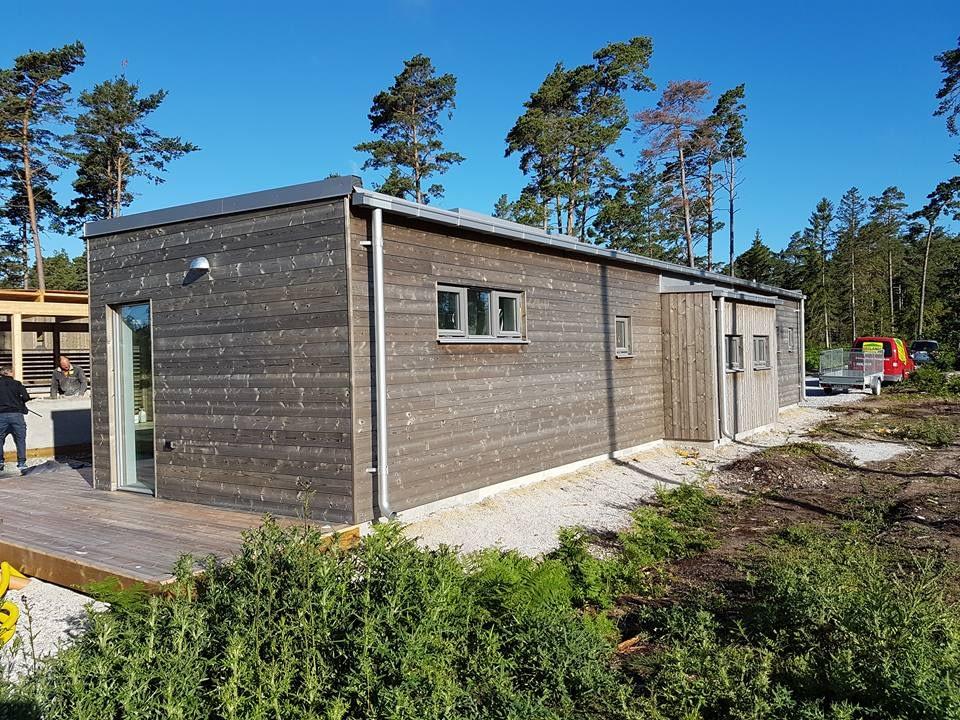 Idag är det besiktning av villan i Ljugarn. Vi håller på med att lägga betong ... 5