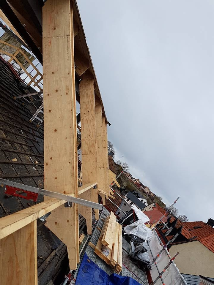 Taket på Skölden 18 börjar ta form. Den som kommer köpa lägenheten högst upp k... 2