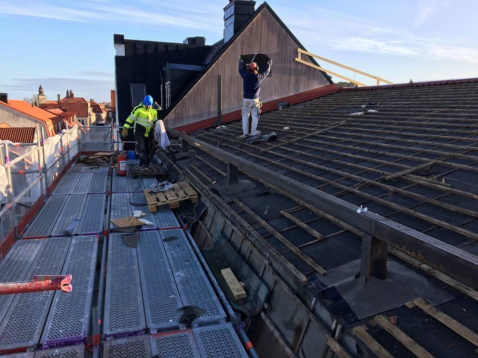 Idag har vi full aktivitet på taket meddelar Platschefen Markus Nyström. Stålp... 3
