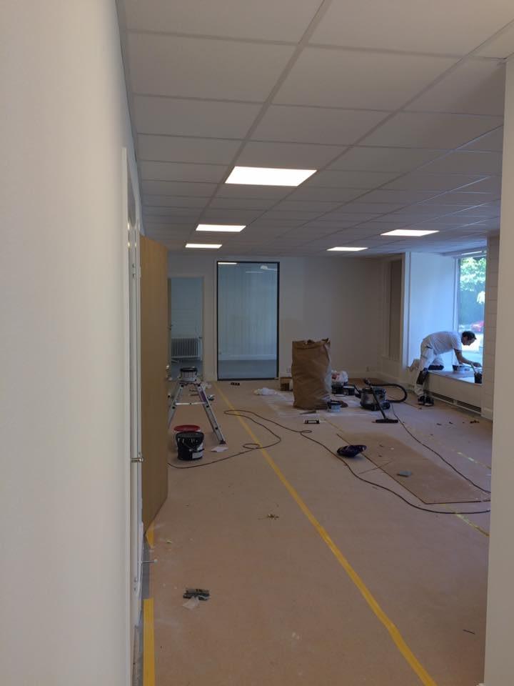 Nya kontoret är snart klart. Möblerna kommer på måndag. Ni är välkomna in på o... 2