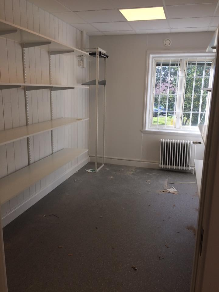 Nya kontoret är snart klart. Möblerna kommer på måndag. Ni är välkomna in på o... 5