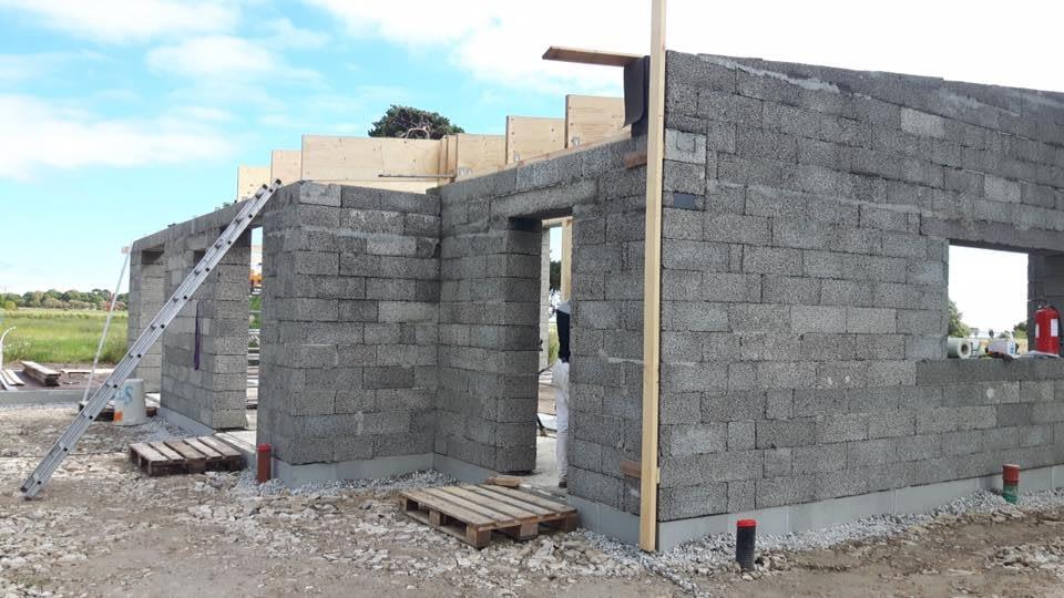 Villan i När börjar ta form som Gotlandsbyggen AB bygger. Fotona är tagna idag... 2