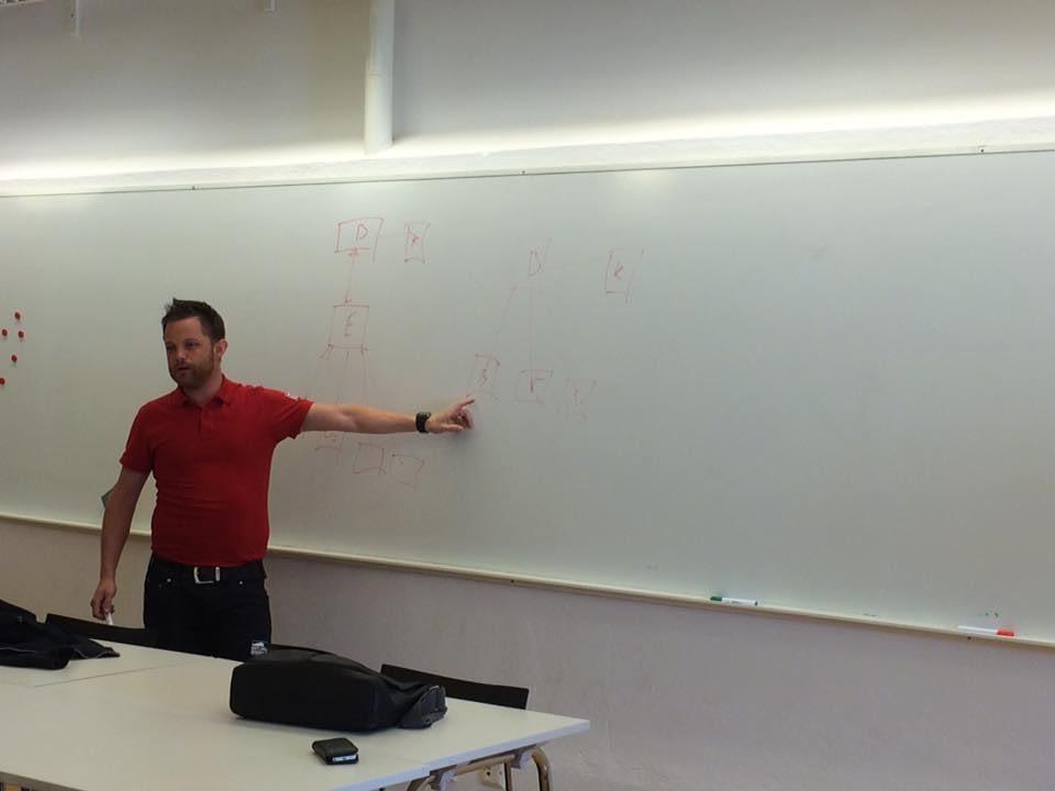 Idag är Oskar Klintberg för Gotlandsbyggen och föreläser entreprenadjuridik på... 2
