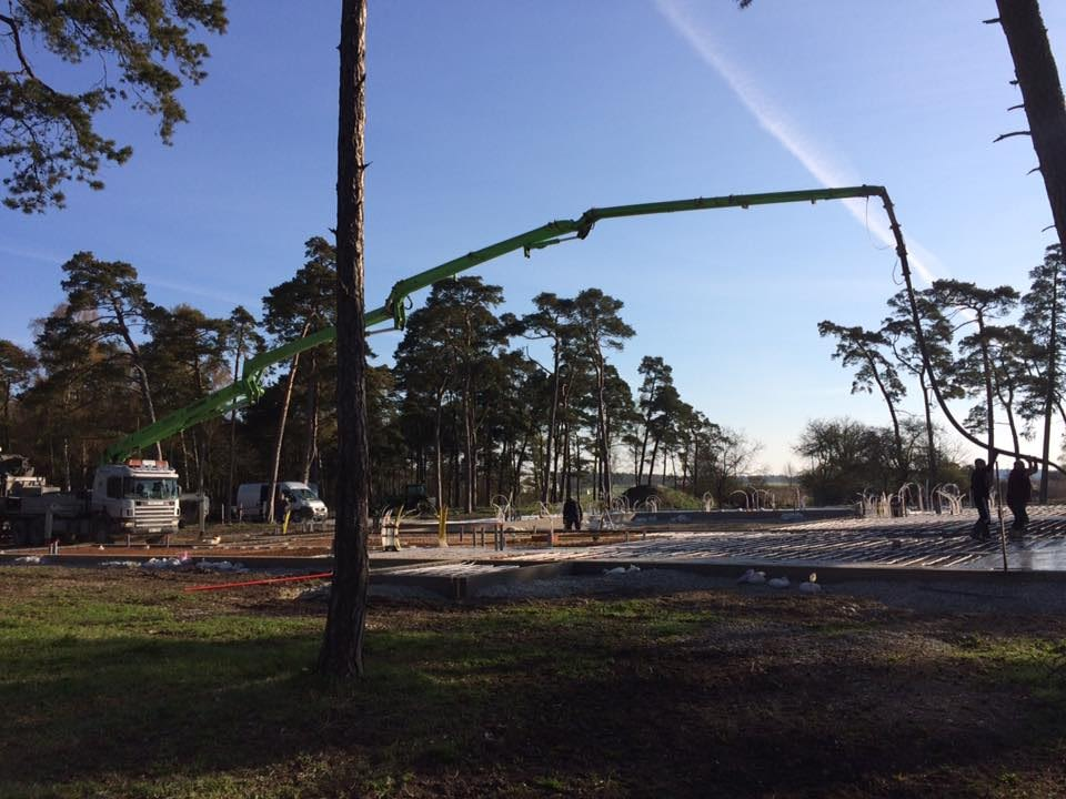 Idag är dags för Gotlandsbyggen AB att gjuta plattan till det nya hotellet i B... 4