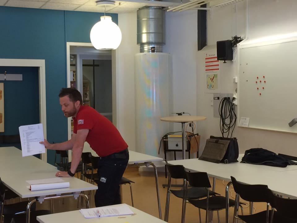 Idag är Oskar Klintberg för Gotlandsbyggen och föreläser entreprenadjuridik på... 1