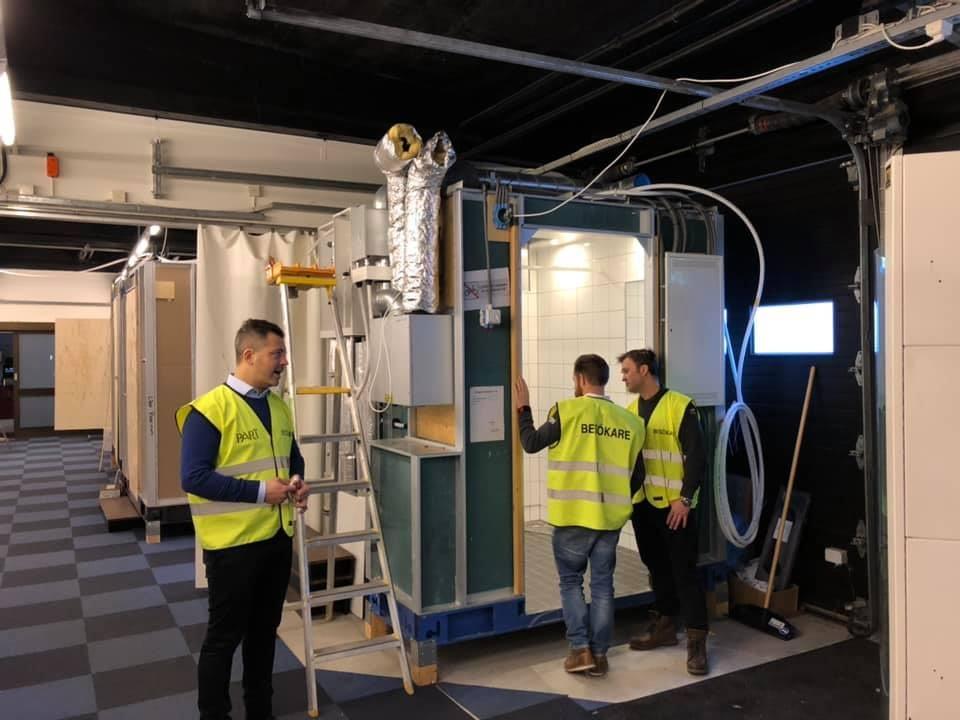 Idag är vi i Kalix hos Part Construction AB och tittar på badrummen som ska... 1