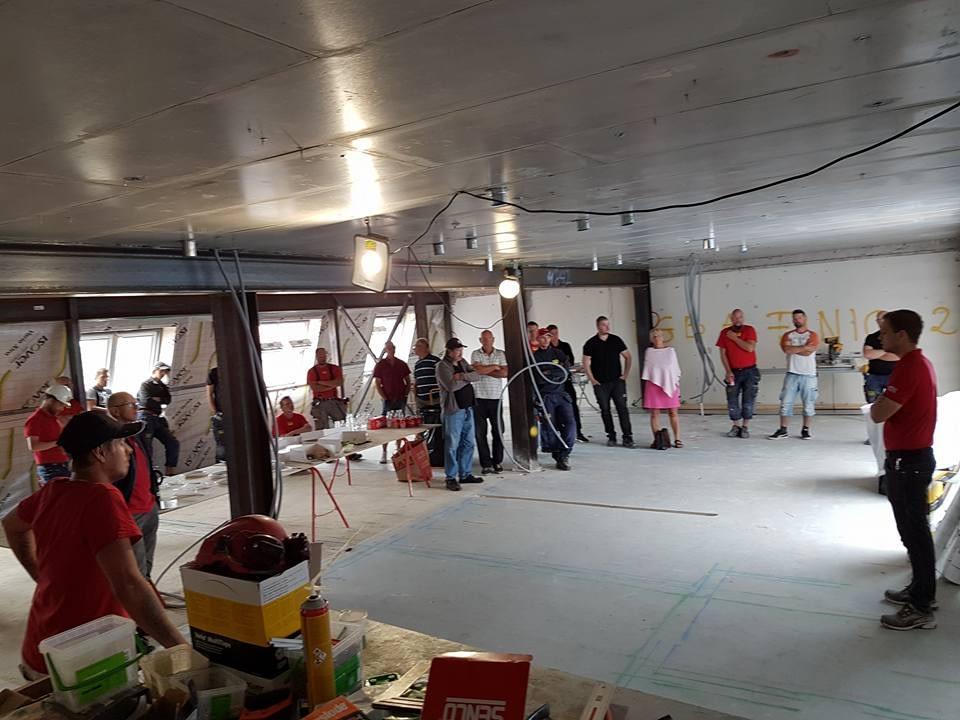 Idag har vi studiebesök på bygget Skölden 18. Sen går de flesta på semester. G... 1