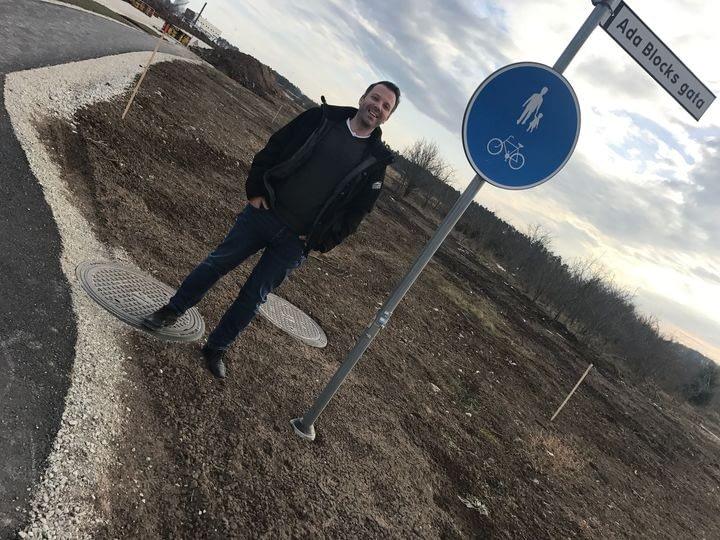 Mattias Topcov är glad. Här på kvarteret Signallottan bygger Gotlandsbyggen 80... 1