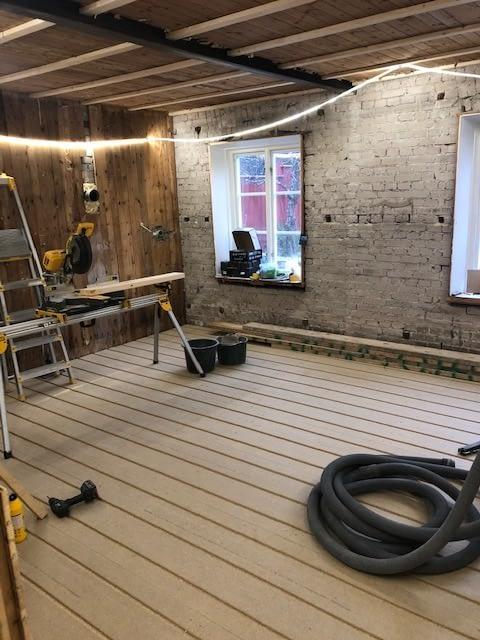Nu är vi igång med en totalrenovering av ett hus i Innerstan. projektet komme... 3