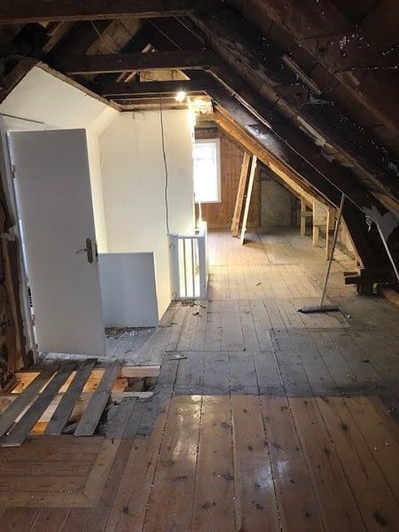 Nu är vi igång med en totalrenovering av ett hus i Visby innerstad. 6