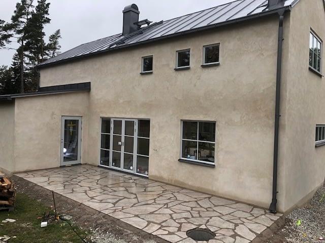 Huset i Gammelgarn går in i slutskedet och kan inom kort lämnas över till nöjd... 2