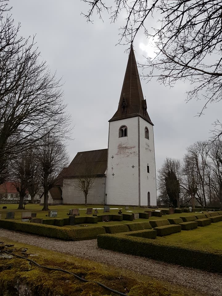Nu är vi igång med restaurering av Fardhem kyrka. Riktigt roligt att Gotlandsb... 4