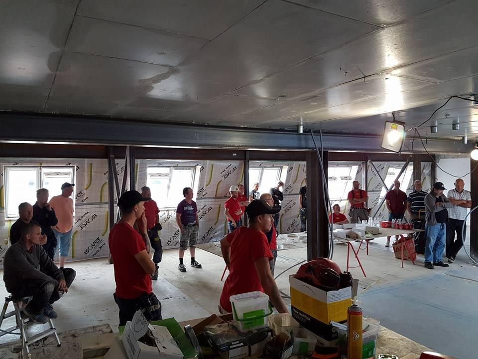 Idag har vi studiebesök på bygget Skölden 18. Sen går de flesta på semester. G... 2