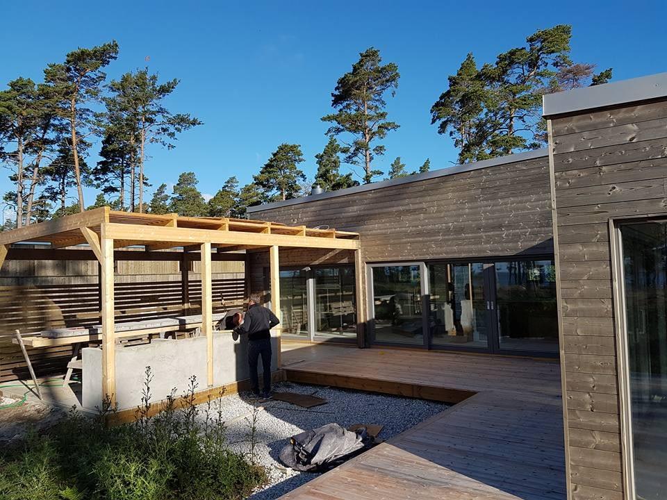 Idag är det besiktning av villan i Ljugarn. Vi håller på med att lägga betong ... 4