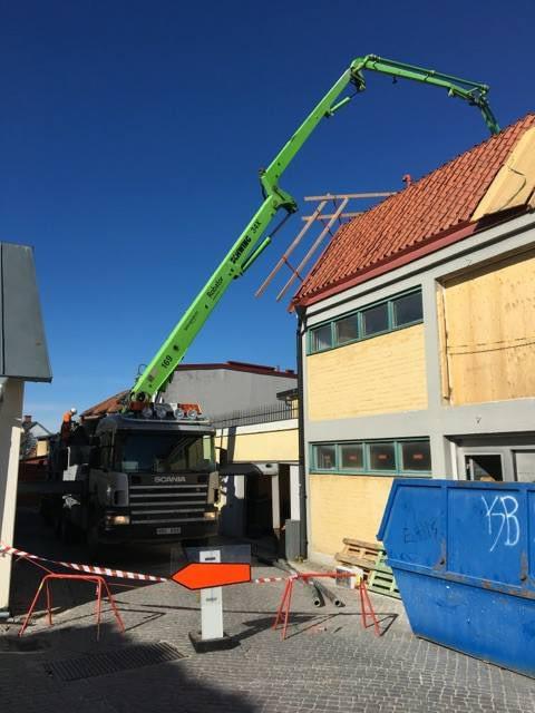 Just nu pågår storgjutning av bjälklag för nya plan 5 på Skölden 18. I en av ... 2