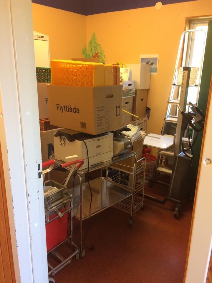Nu startar ombyggnaden av skolköket i Stenkyrka skola. Nya skolköket skall stå... 4