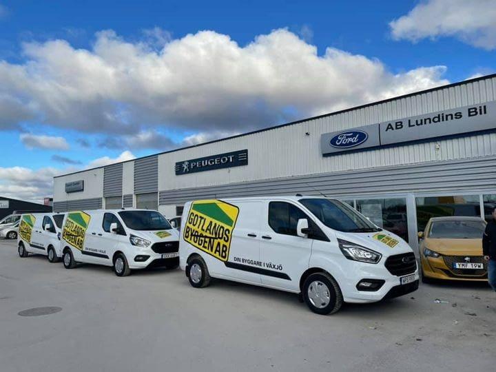 Idag hämtade vi tre nya bilar till Växjö. Imorgon ser ni dem rulla i stan.... 1